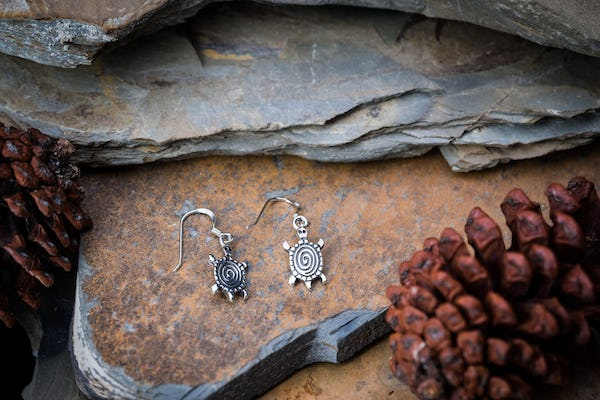 Sterling Silver Thai  Earrings Turtle Swirl