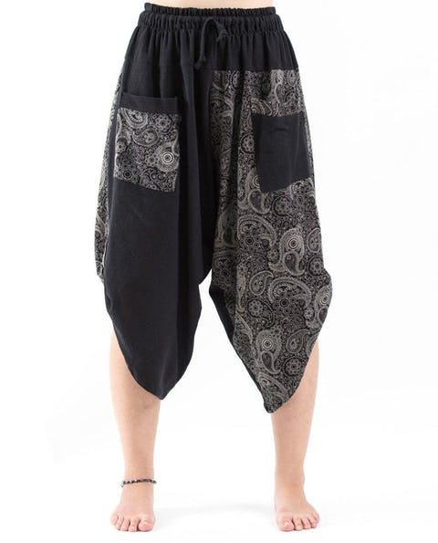 Two Tone Paisley Prints Unisex Three Quarter Pants in Black