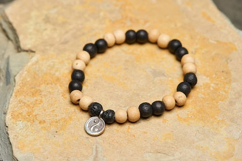 Tibetan Two Tone Bodhi Beads Bracelet with Yin Yang Charm