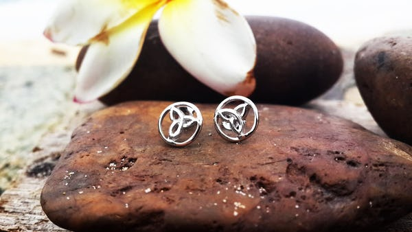 Sterling Silver Thai  Stud Earrings Celtic Circle