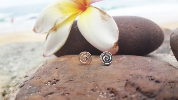 Sterling Silver Thai  Stud Earrings Classic Swirl