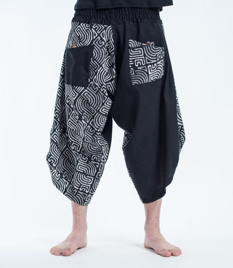 Two Tone Maze Print Unisex Three Quarter Pants in Black