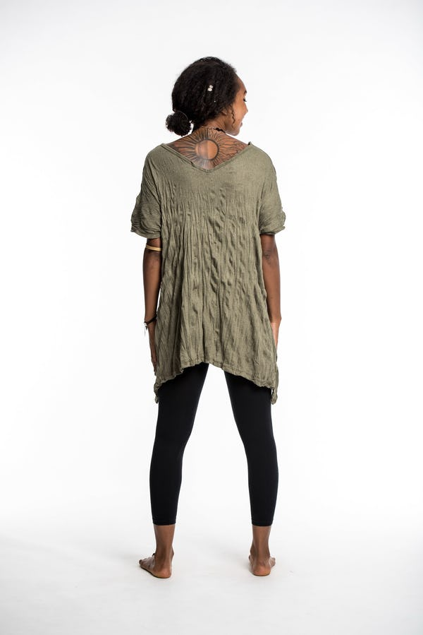 Womens Solid Color Loose V Neck T-Shirt in Green
